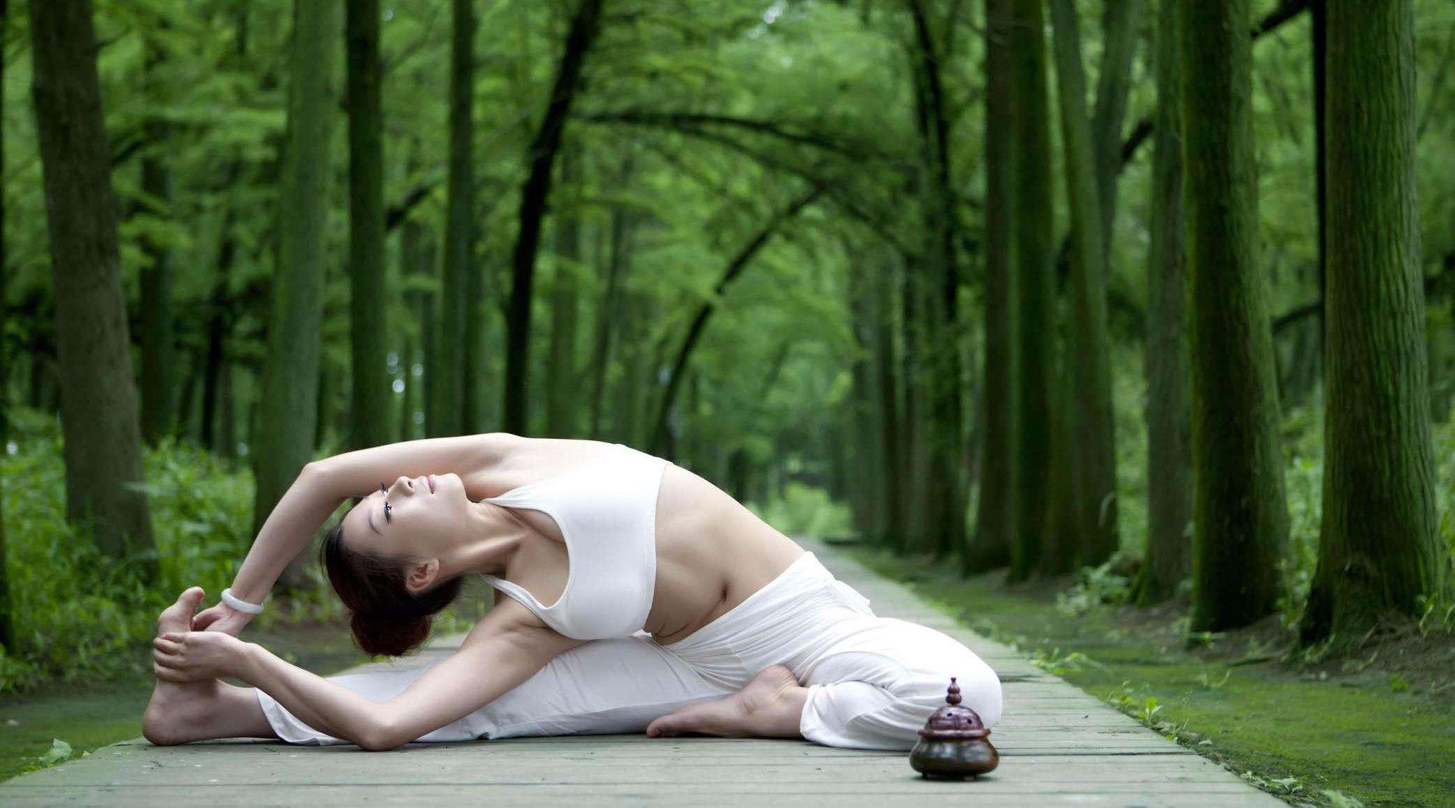 练瑜伽也能去湿气