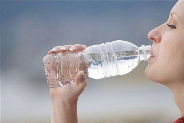 水,不能不喝,也不能多喝