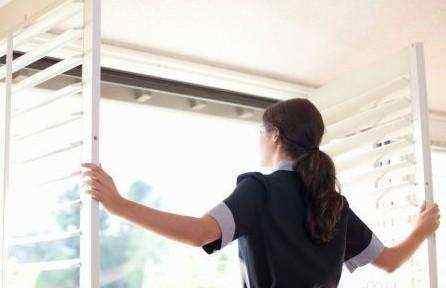 家里潮湿怎么办?四个小办法,教你如何防潮湿