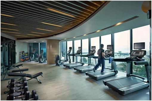 健身房又臭又黏,客户少的不行,除湿机了解一下?